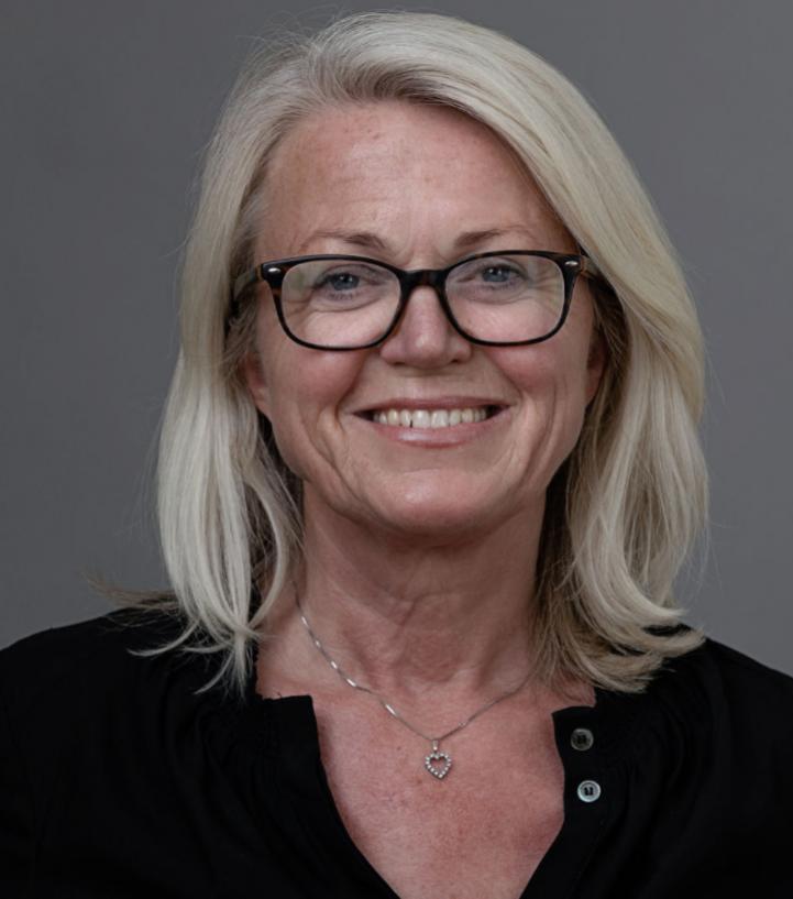 Eva J Holm